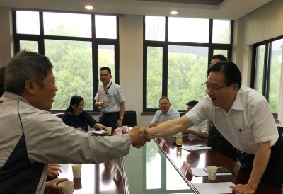 无锡市委副书记、市长黄钦热情接待来访群众  调研信访工作